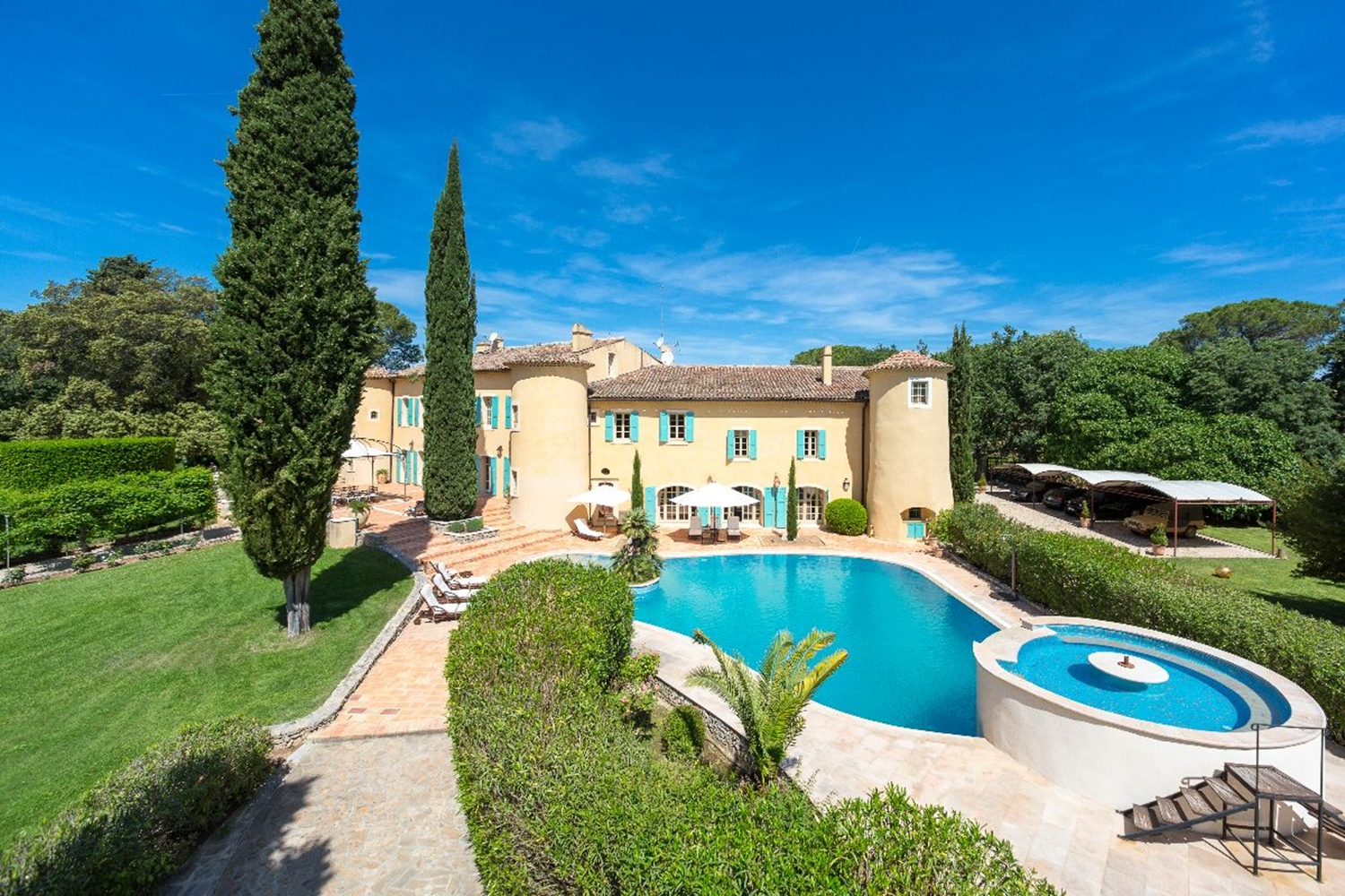 Stay in a Vineyard Chateau in Provence