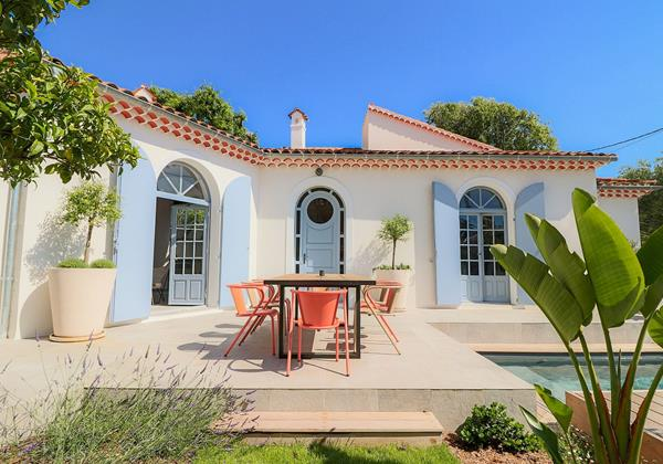 Mas de la Salis - Beautiful 4-bedroom villa within a short walk to the beach and the town centre of Antibes