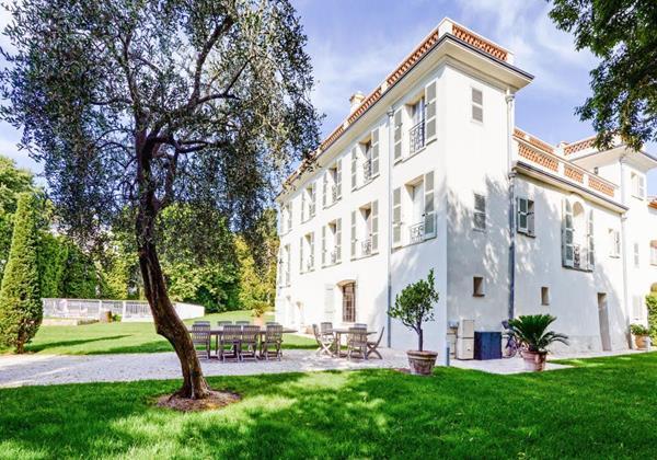 Holiday Villa Bastide des Cypres Cote d'Azur Villas