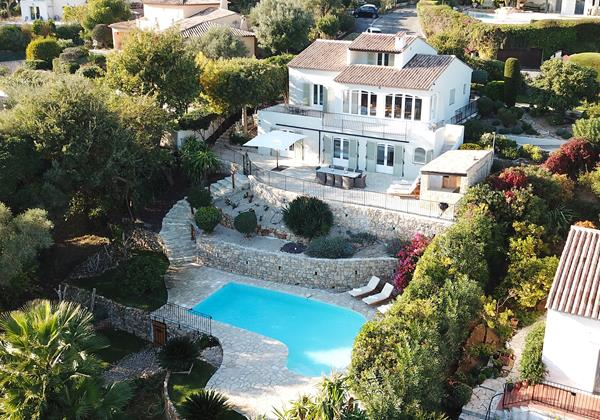 Les Hauts des Oliviers Villa Antibes with Sea Views